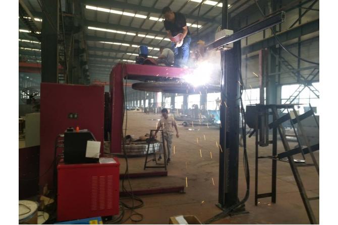 圆盘明弧堆焊设备
