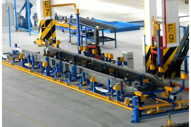 半拖车框架组对工作台